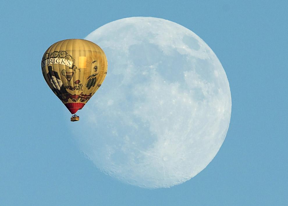 Луна и воздушный шар, Калифорния