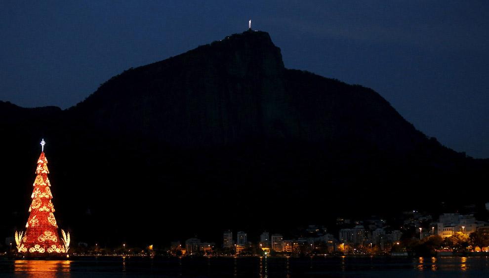 Новогоднее дерево в Рио-де-Жанейро, Бразилия