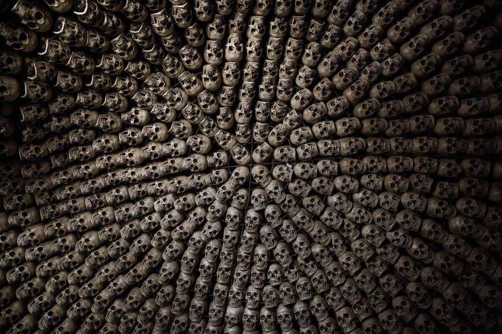 Храм с черепами