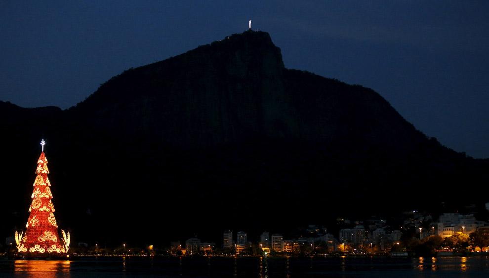 Новогодняя ёлка в Рио-де-Жанейро, Бразилия