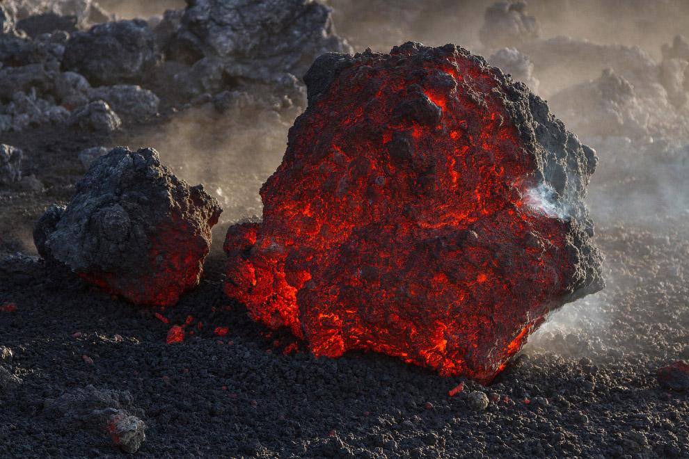 Лава из вулкана Этна