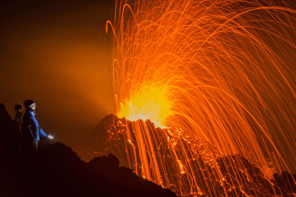 Действующий щитовой вулкан Питон-де-ла-Фурнез