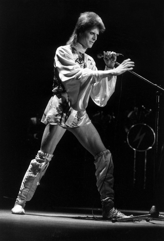 Дэвид Боуи на сцене в Лондоне