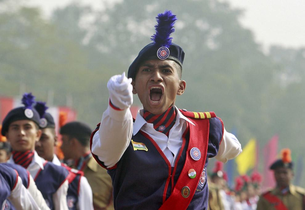 В военном параде участвовали все роды войск армии Индии