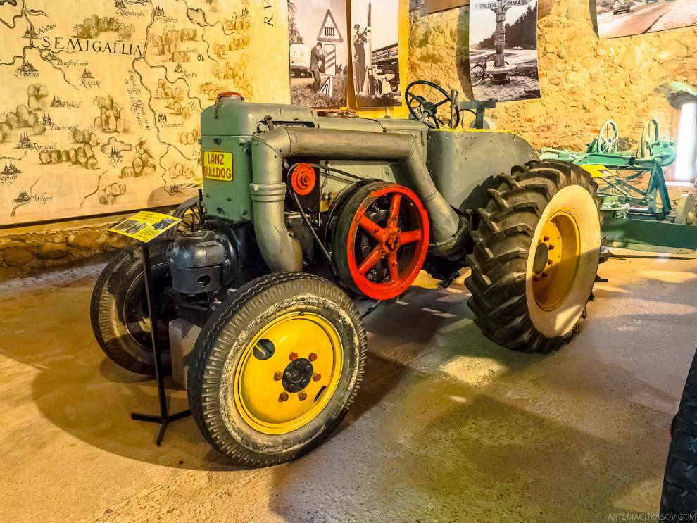 Немецкий трактор Lanz Bulldog тридцатых годов.