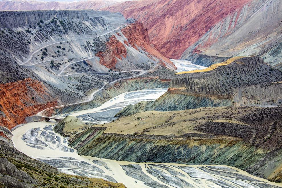 Тянь-Шань — горная система, расположенная в Центральной Азии