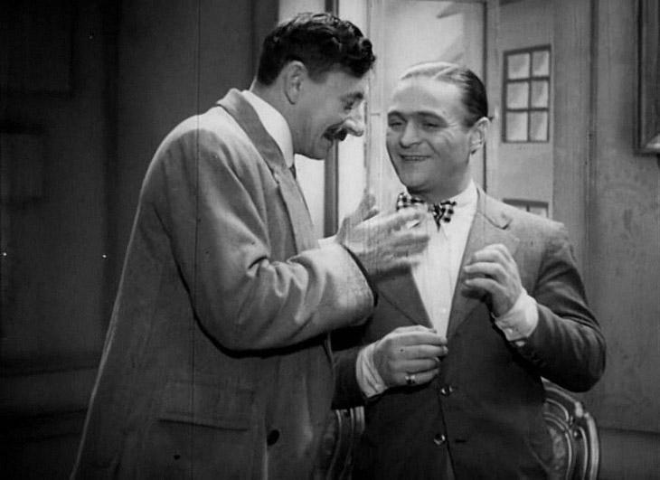 Первой адаптацией романа «12 стульев» в кино стала чешско-польская постановка 1933 года