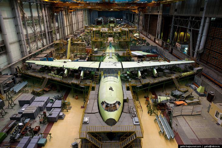 Производство самолётов Ил-76 и Ту-204 на заводе «Авиастар-СП»