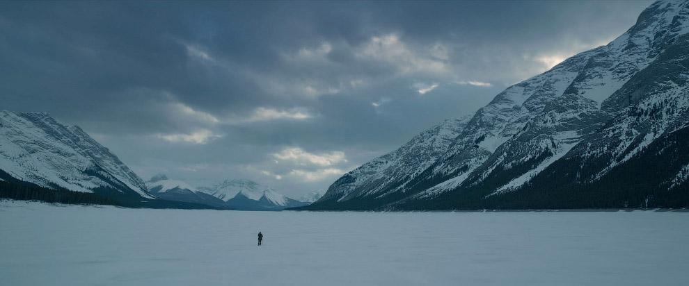 Кадр из фильма «Выживший»: скалистые горы Канады