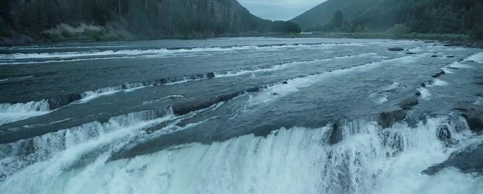 Кадр из фильма «Выживший»: река Мунтеней, Кутара, США