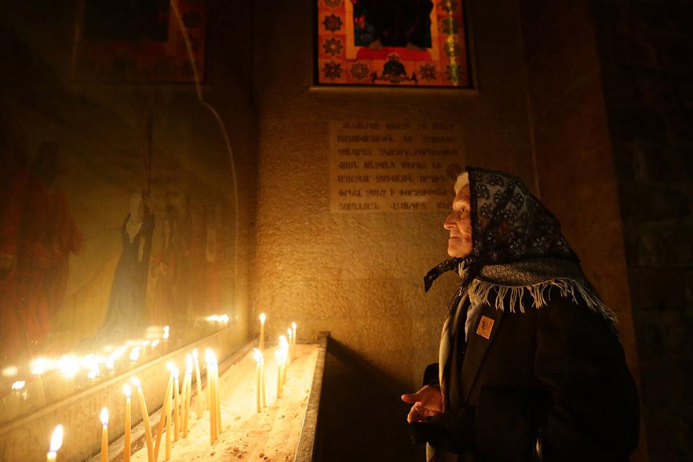 Православное Рождество в церкви в растерзанном войной Дамаске, Сирия