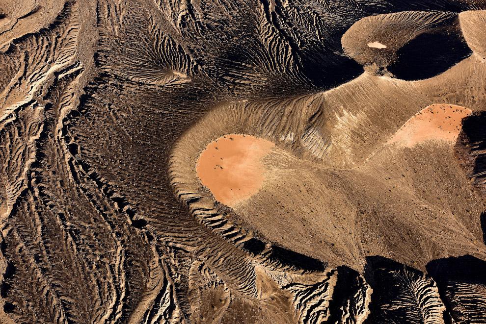 Еще один снимок кратера Убехебе в Долине Смерти