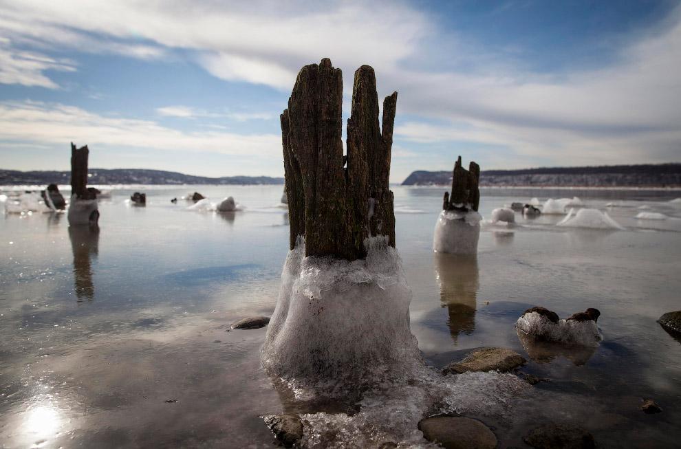 """Ледяные """"свои"""" на реке Гудзон в штате Нью-Йорк"""