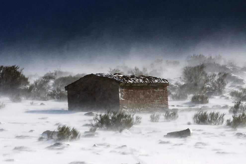 Метель в провинции Кантабрия на севере Испании