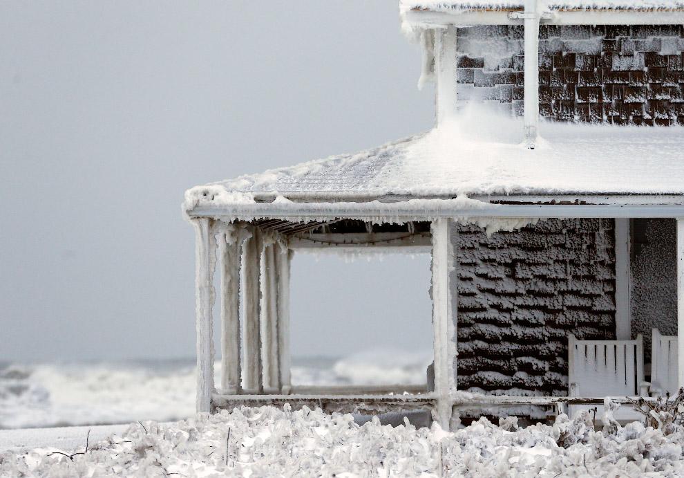 Замерзший дом в Массачусетсе