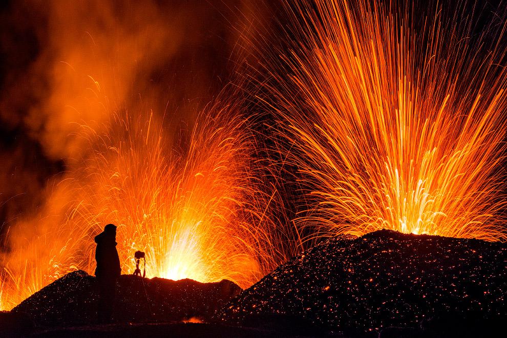 Когда вулкан Питон-де-ла-Фурнез извергается