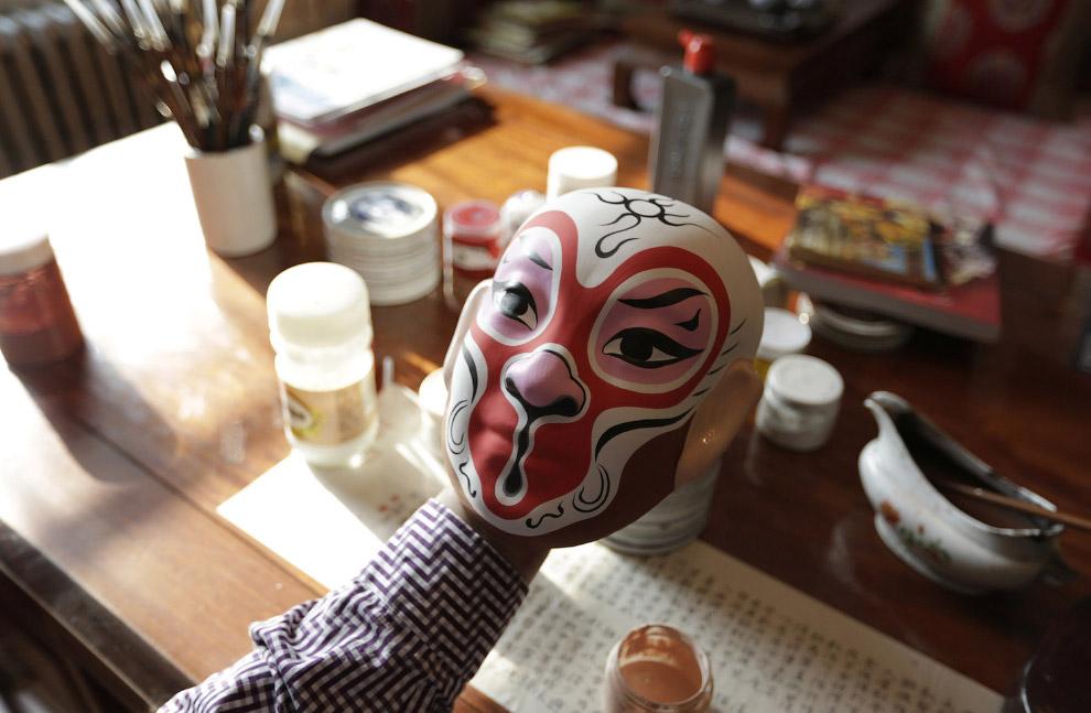 Изготовление обезьяньих масок для Нового года по лунному календарю