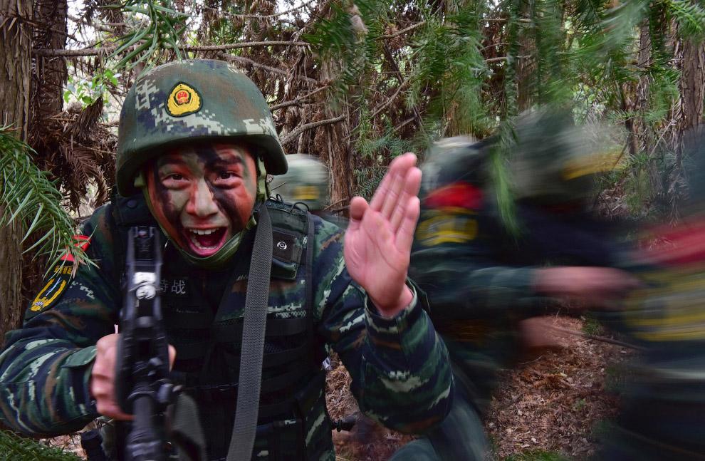 С связывайтесь с Китаем! Учения суровых военных в провинции Чаоху