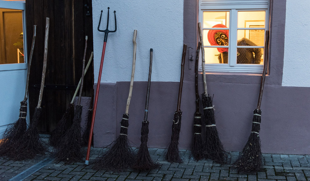 Ведьмы с метлами в Баден-Вюртемберге, Германия