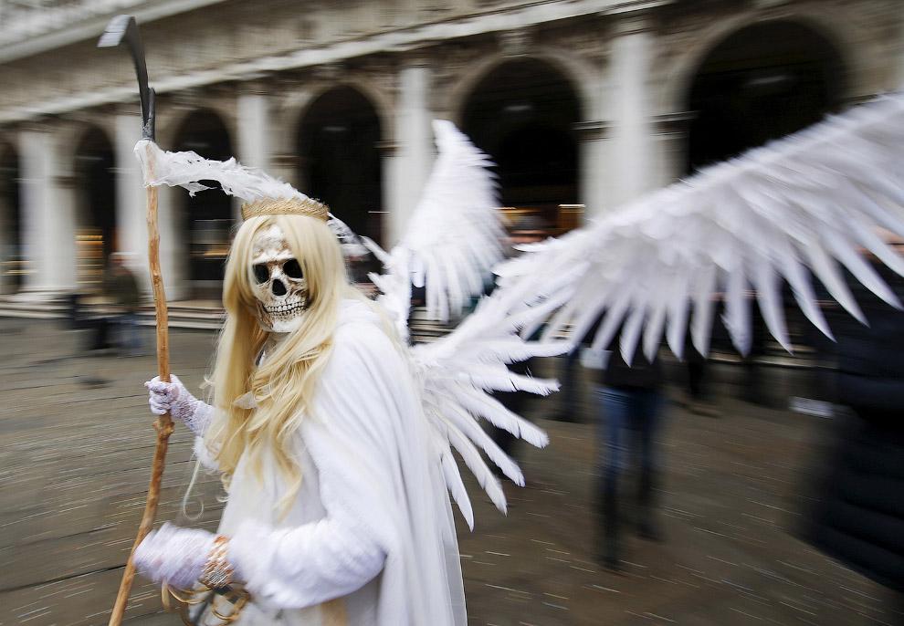Вот такие личности ходили по площади Сан-Марко в Венеции