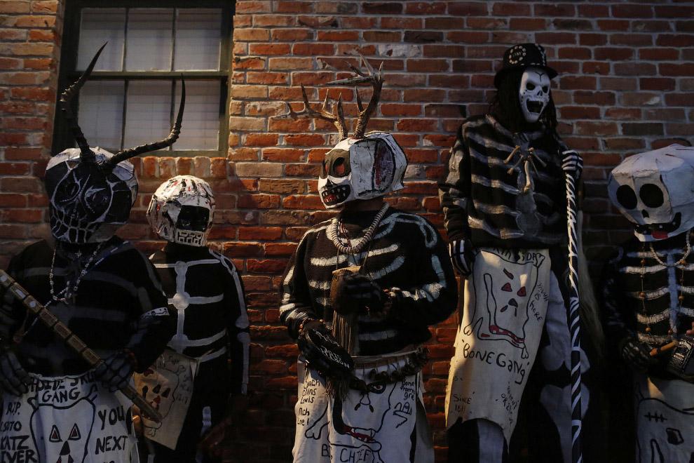 Участники карнавала в Новом Орлеане
