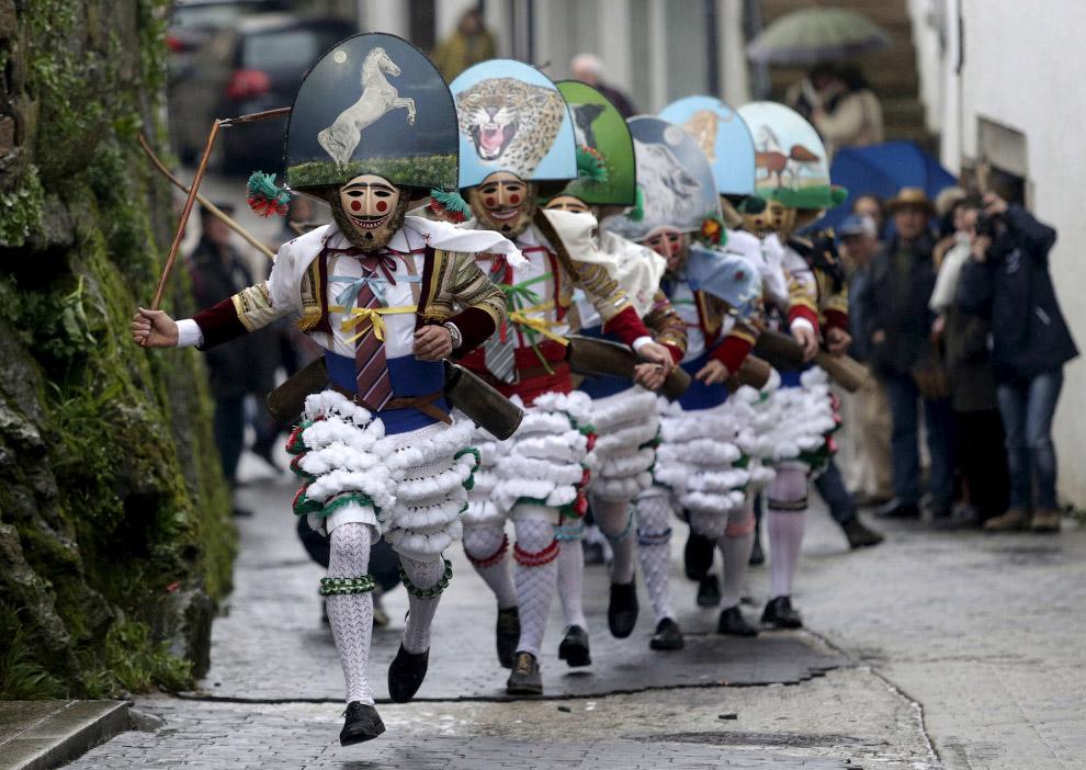 Карнавал в испанской деревне Лаза