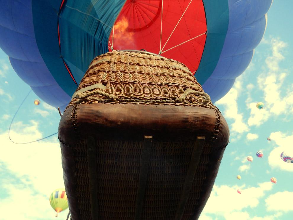 """Генри Даунинг из США занял второе место в категории """"Отпуск дикарем"""" за снимок воздушного шара в Альбукерке, Нью-Мексико"""