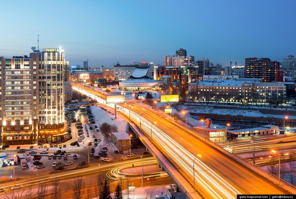 Путепровод Октябрьской магистрали.