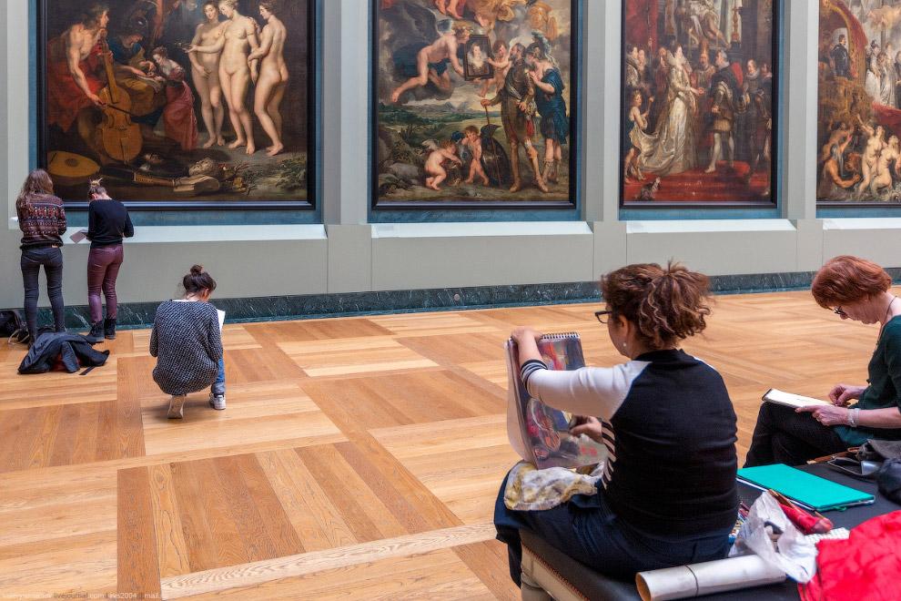 Лувр — самый популярный музей мира