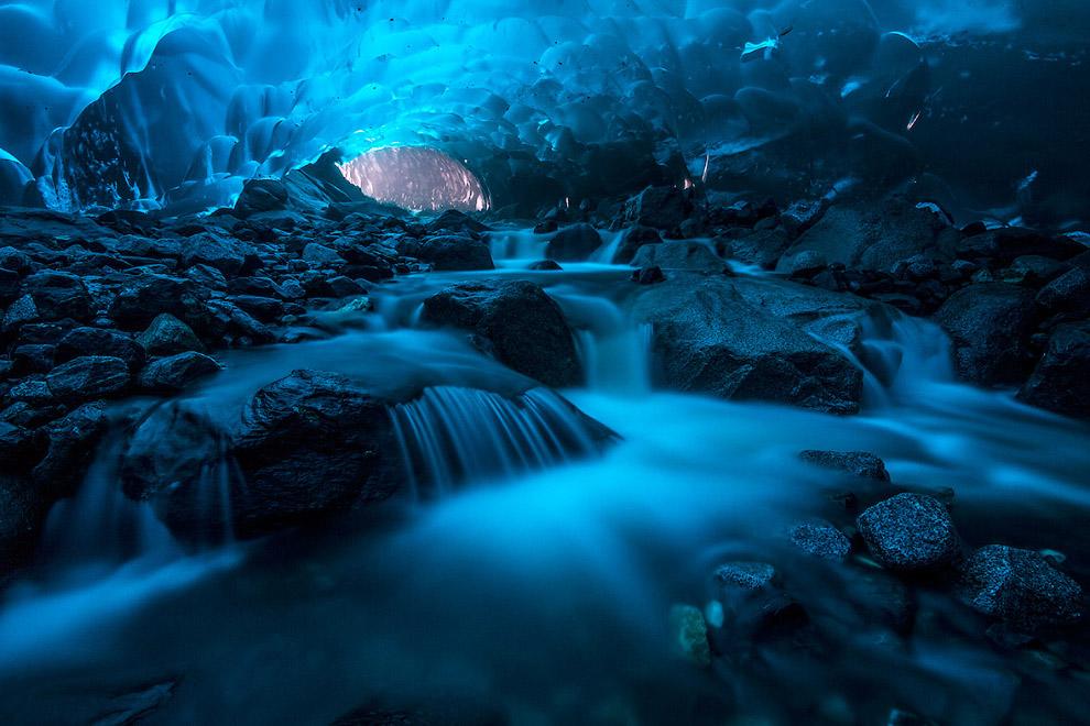 Пещера на Аляске