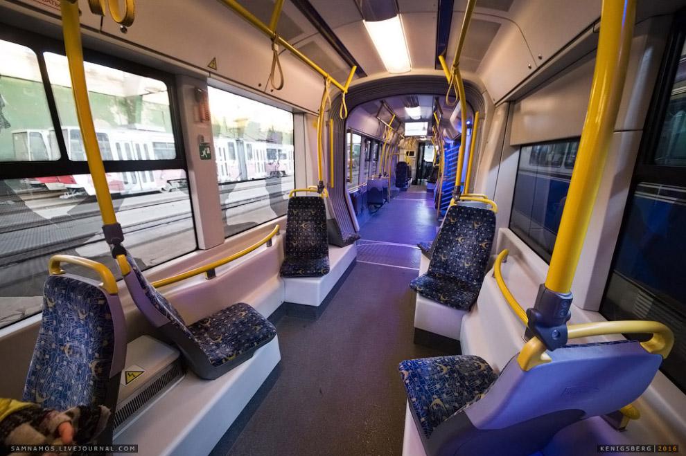 Польский низкозольный трамвай фирмы PESA