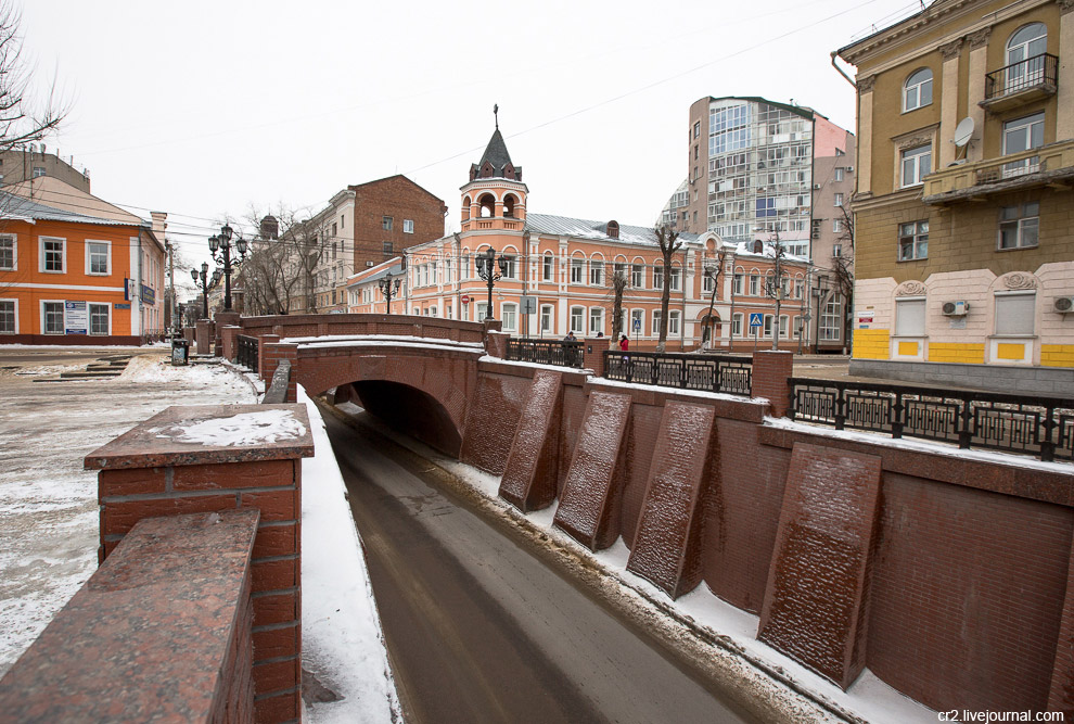 Каменный мост (19 век) — одно из самых известных мест Воронежа