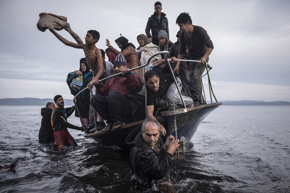 Сергей Пономарев получил первый приз в номинации «События» за его серию снимков о ситуации с беженцами в Греции