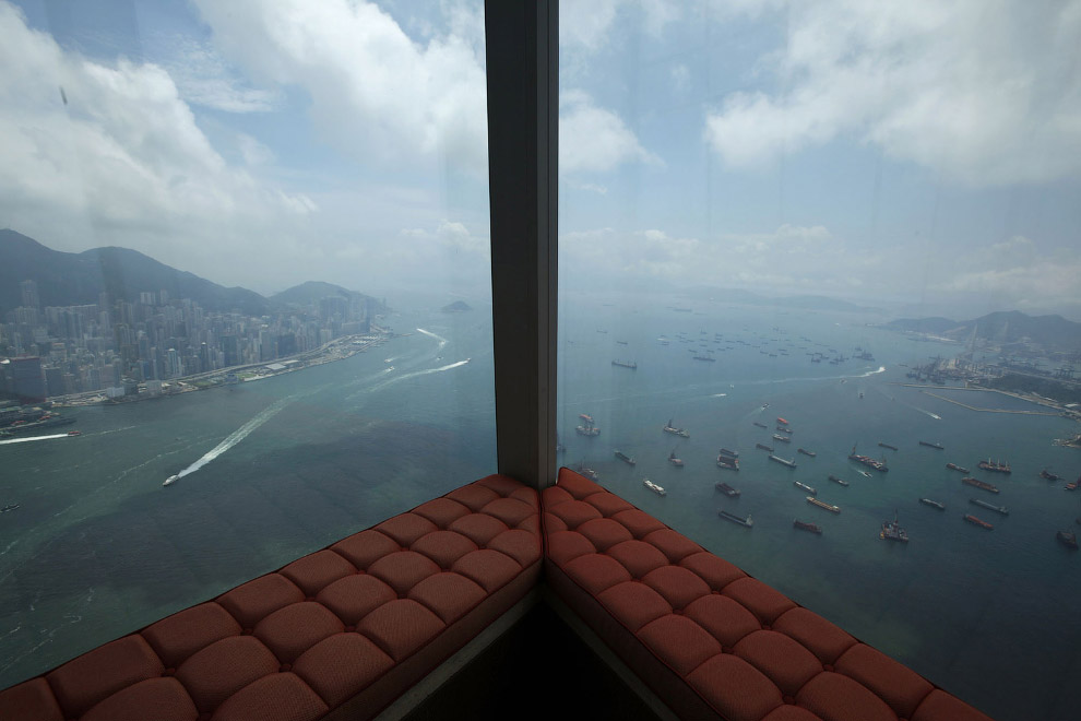 Вид из отеля Ritz-Carlton
