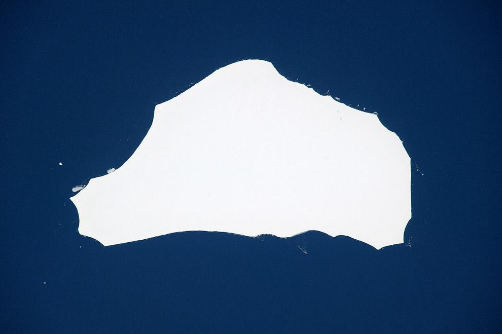 Айсберг размером с Лондон дрейфует в Антарктиде
