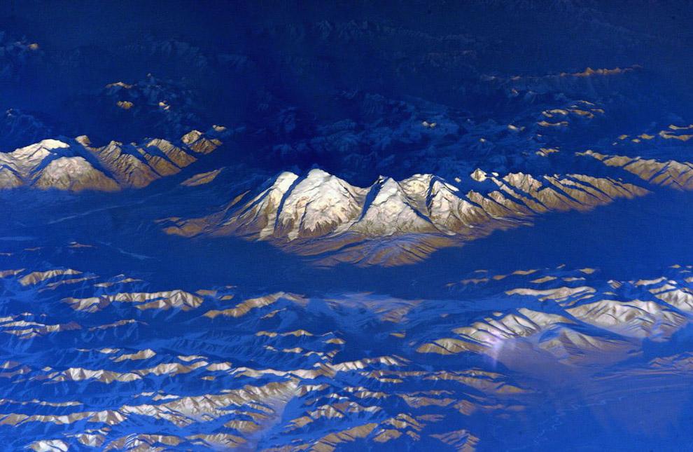Вид на горы из космоса