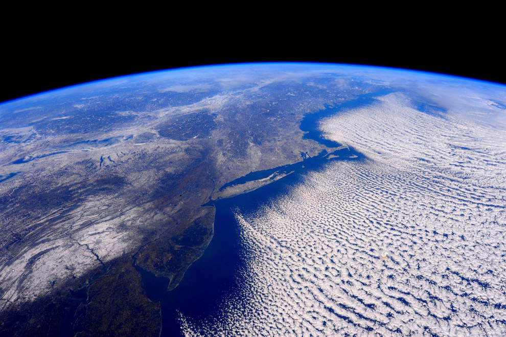 Вид с высоты более 400 км