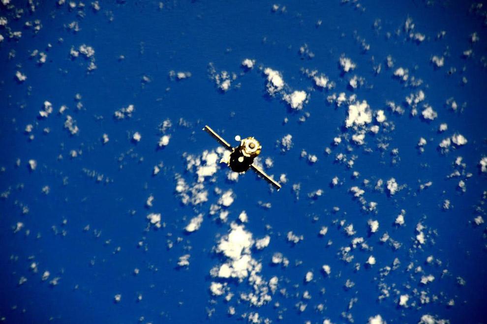 Наш космический корабль «Союз» на подходе к МКС