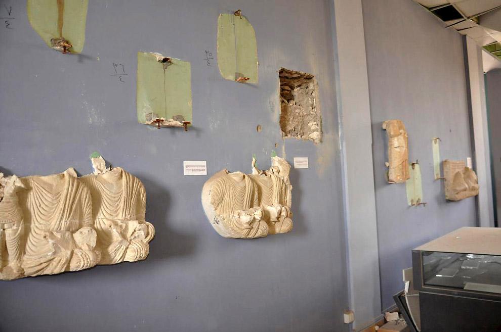Музей Пальмиры. Что-то отколото, что-то поломано, что-то украдено