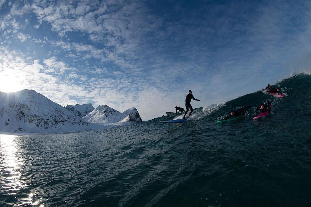 Главное – поймать волну на заснеженном берегу