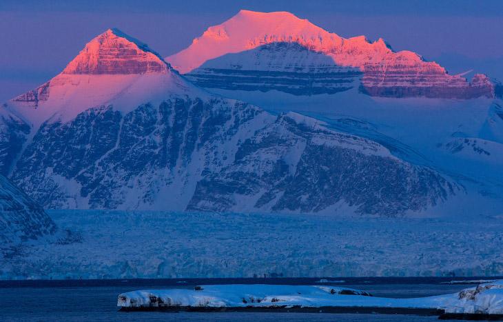 Закат на леднике Конгсфьорд, Шпицберген