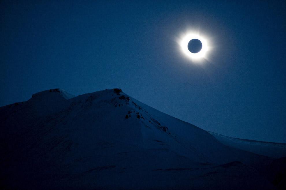 Солнечное затмение на Лонгйире, Свальбард