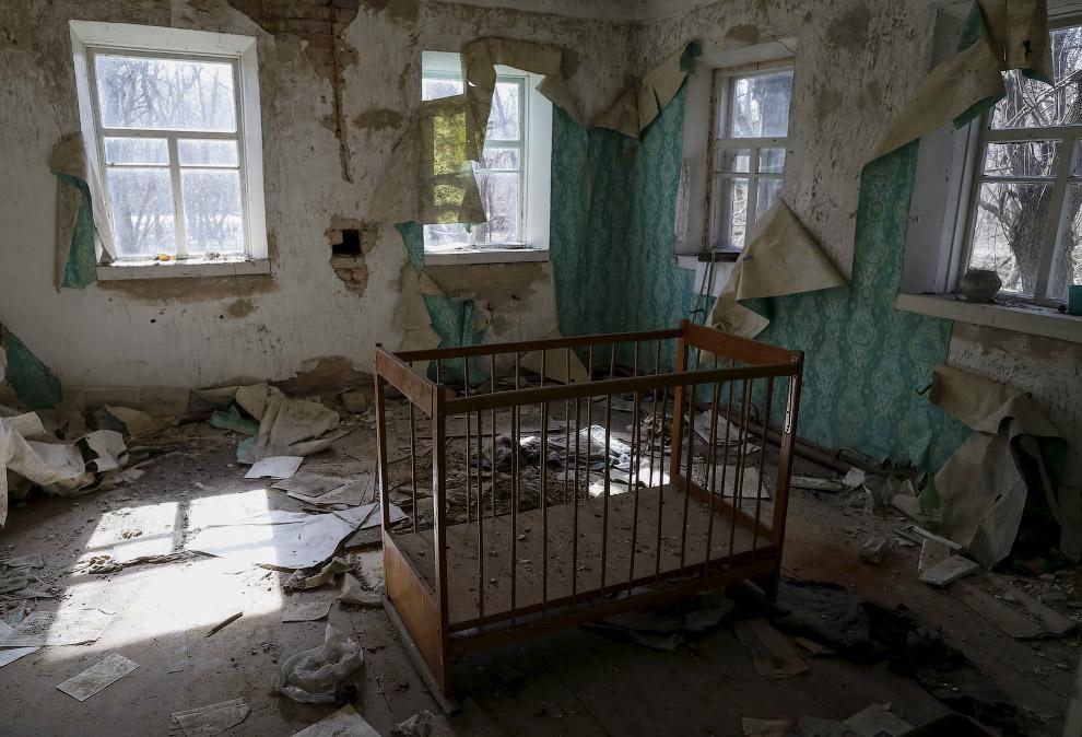 Внутри заброшенного дома в селе Залесье