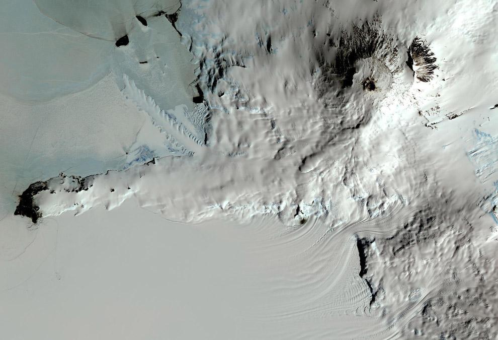 Вулкан Эребус в Антарктиде