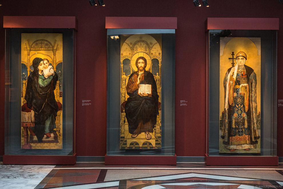 экспозиции музея занимает триптих Васнецова «Богоматерь с младенцем», «Вседержитель» и «Святая равноапостольная великая княгиня Ольга»