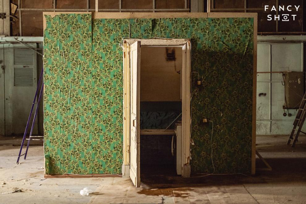Помещение ванной комнаты в павильоне Ленфильма