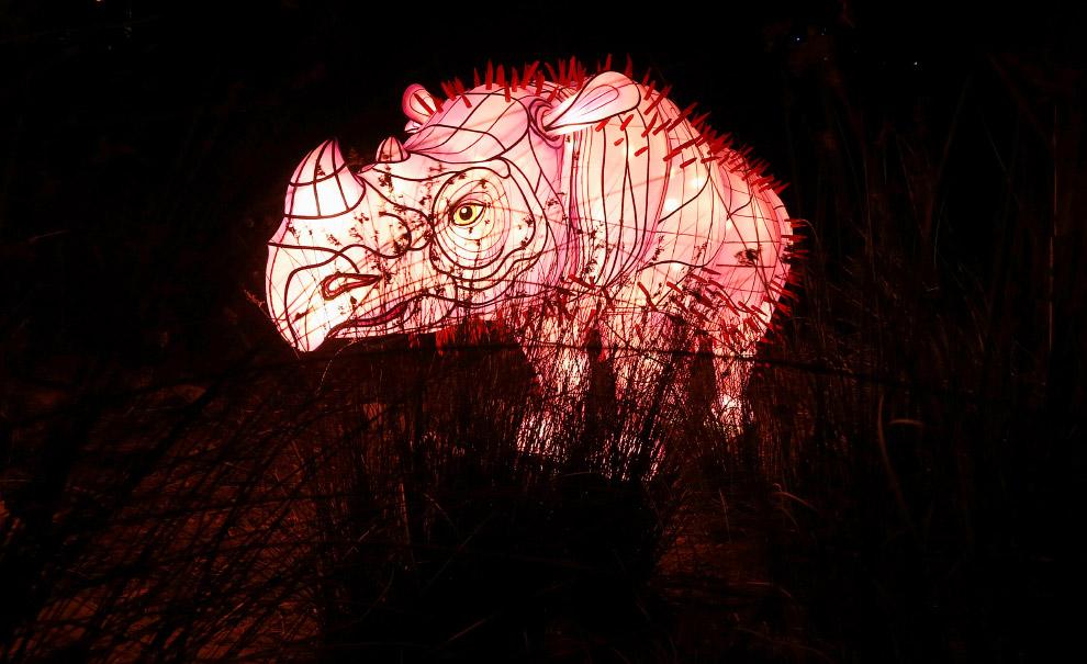 Светящийся носорог