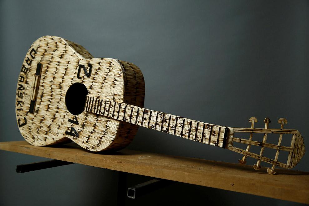 Спичечная гитара