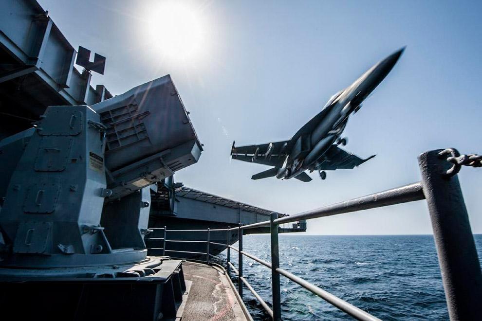 Макдоннел-Дуглас F/A-18