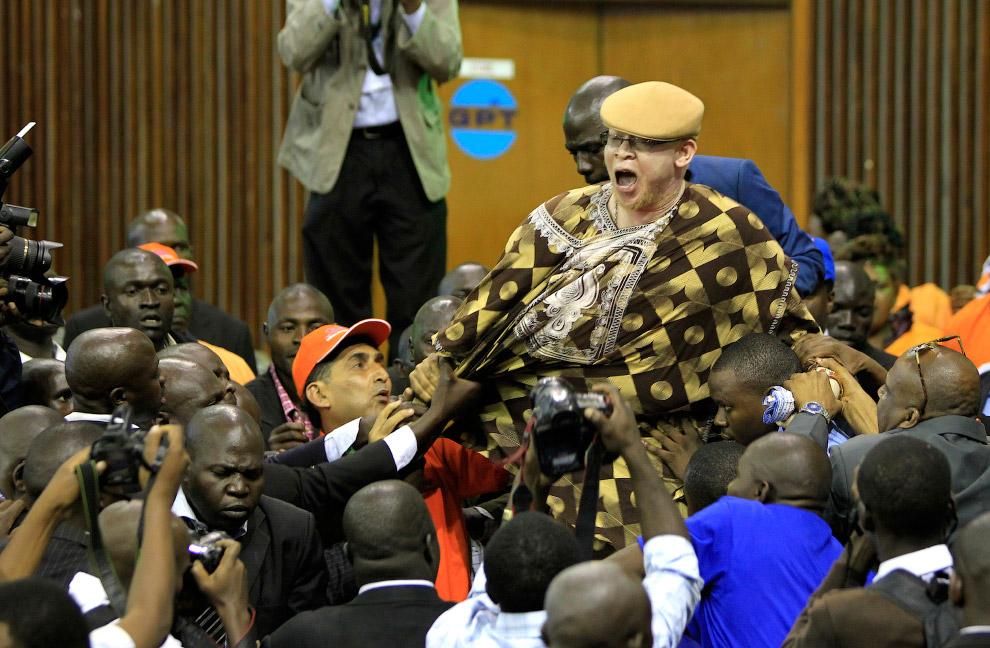 Потасовка на съезде «Оранжевого демократического движения» в Найроби, Кения